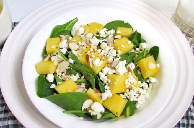 Салат з манго (простий, з куркою, з авокадо): рецепти з фото