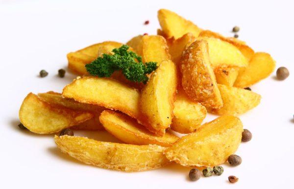 Картоплю дольками в духовці (з часником, з сиром): рецепти