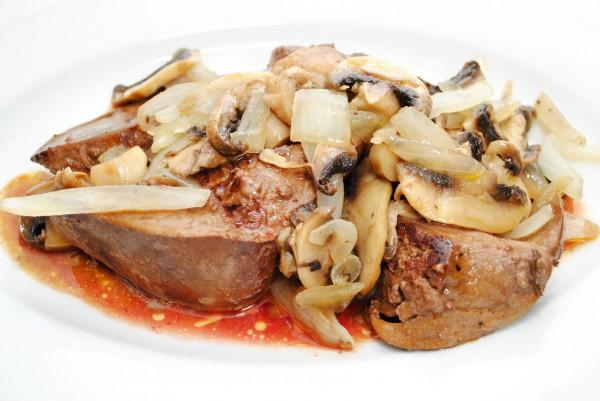 Куряча печінка з грибами (в сметані з картоплею): рецепти