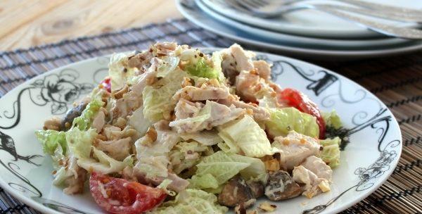 Салат з куркою і помідорами: рецепти з фото, калорійність