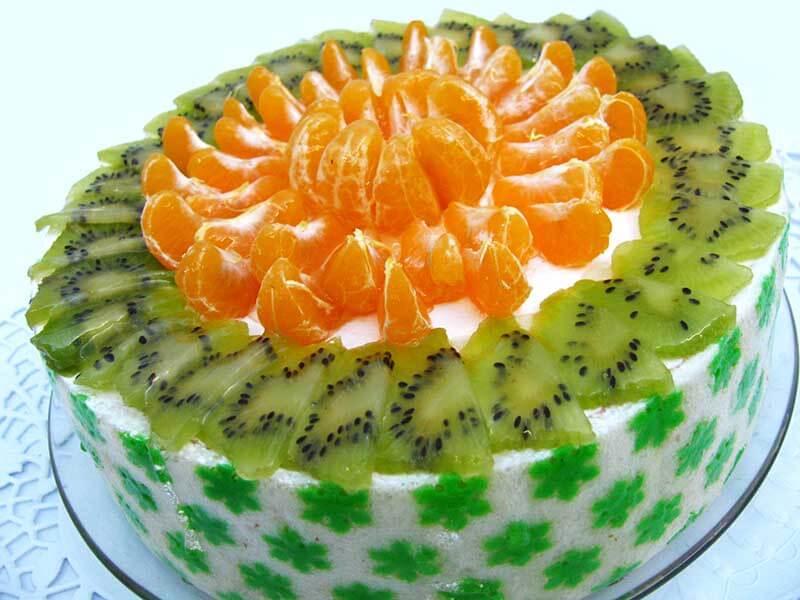 Торт з ківі (бісквітний, желейний, сирний): рецепти з фото