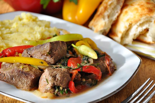 Печінка з овочами: калорійність, рецепти приготування з фото