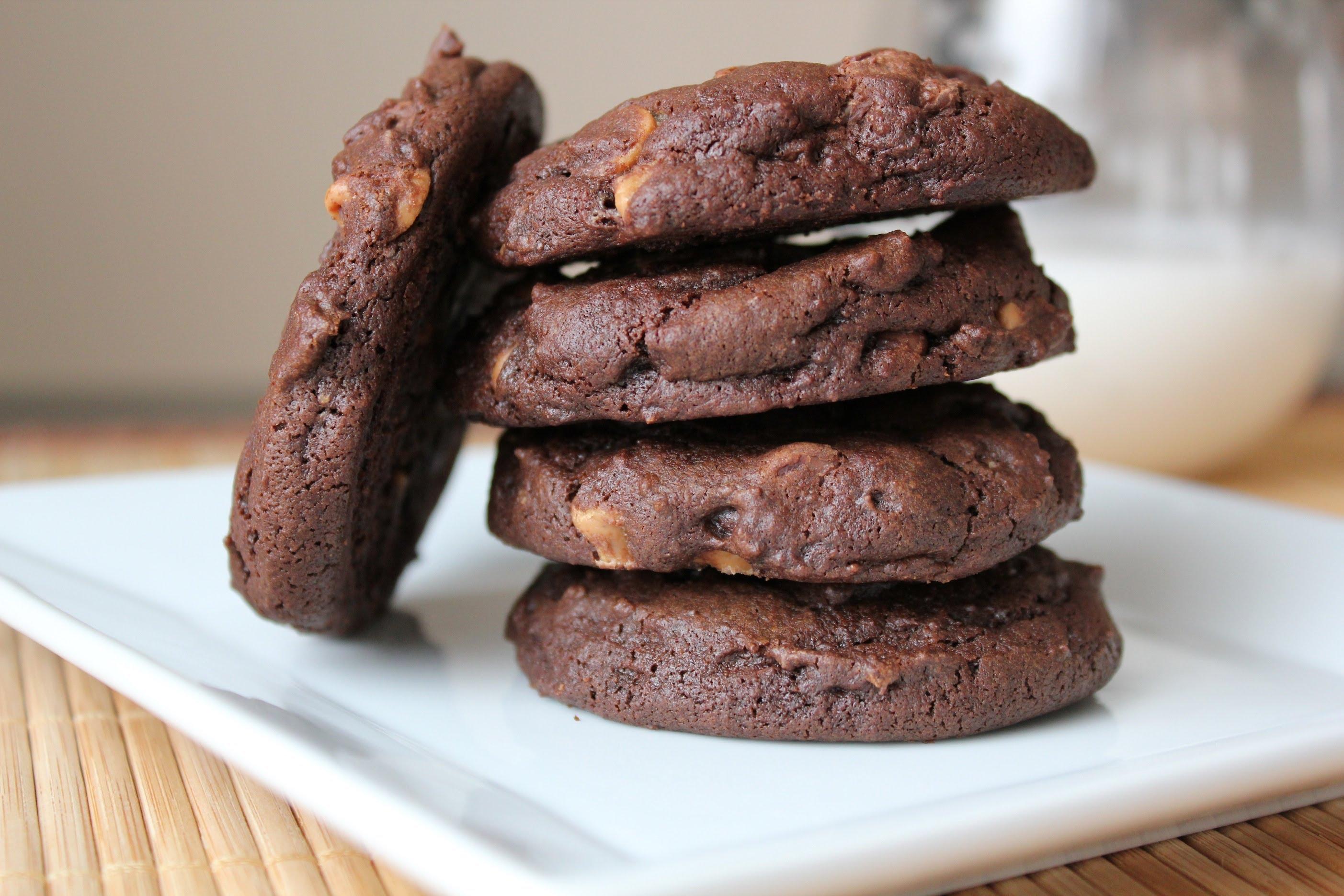 """Печиво з какао (просте, шоколадне, """"Орео"""") - рецепти"""
