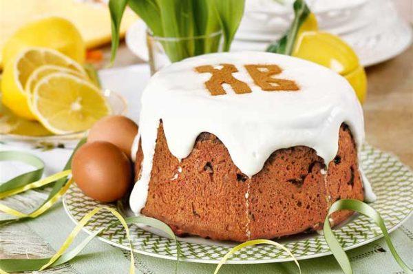 Чим помастити паска зверху на Великдень: поради, рецепти глазурі