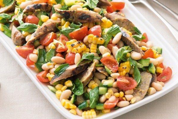 Пісний салат з квасолею: прості рецепти з покроковим фото