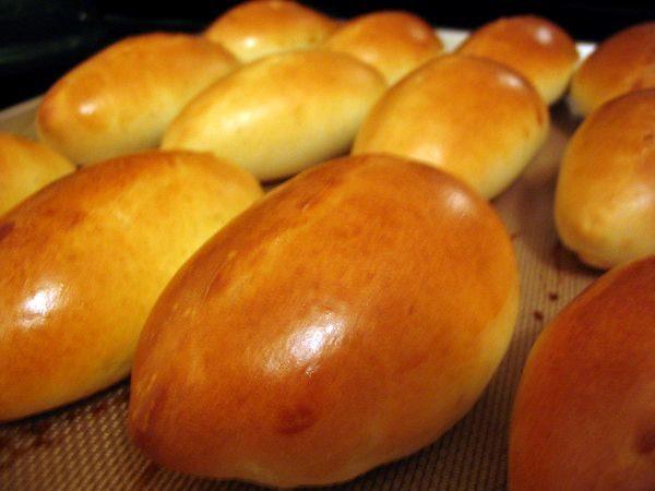 Пиріжкове тісто на сухих дріжджах для смаження: прості рецепти