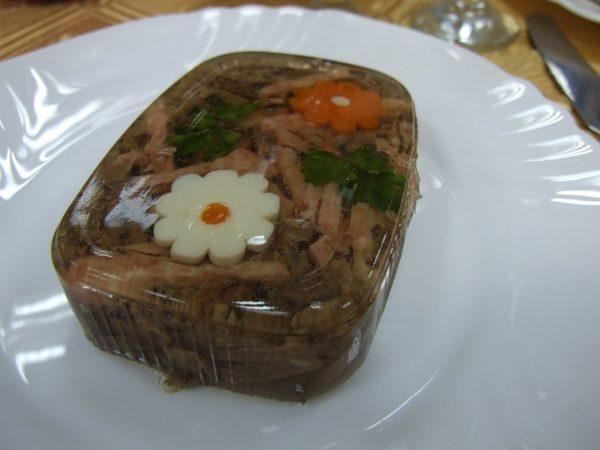 Холодець із яловичих ніжок: рецепти з фото, калорійність