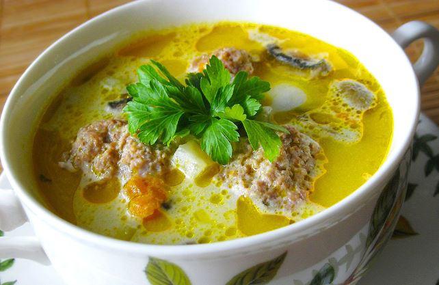 Сирний суп з фрикадельками: прості покрокові рецепти з фото