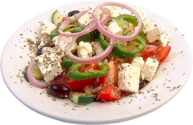Салат з бринзою та помідорами: калорійність, прості рецепти
