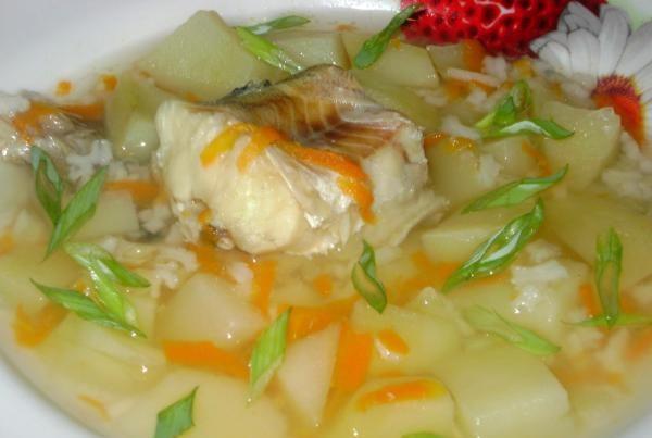 Юшка з минтая (з рисом, з пшоном): покрокові рецепти з фото