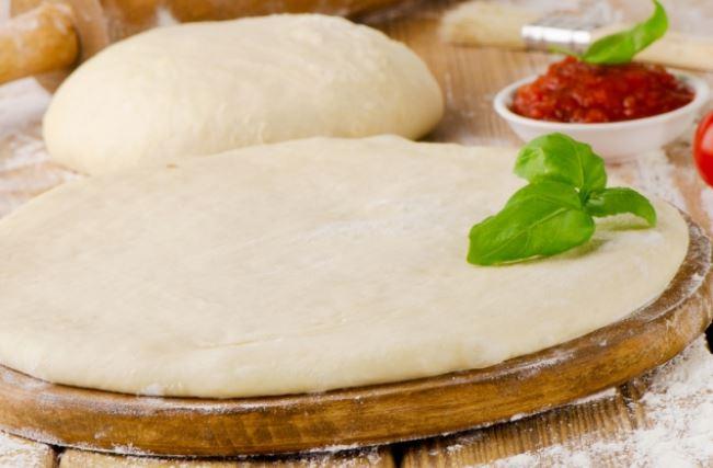 Тісто для піци на сухих дріжджах (швидке, тонке): рецепти