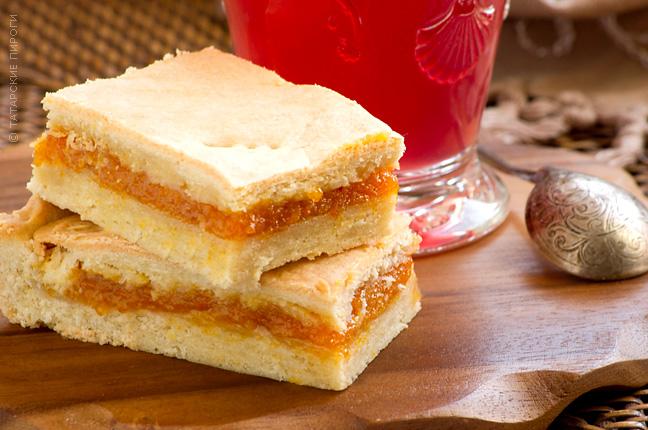 Пиріг з курагою (простий, татарський, з родзинками): рецепти