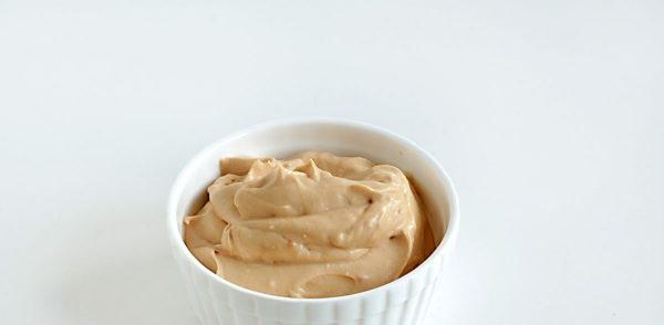 Крем зі згущеного молока і сметани: прості покрокові рецепти з фото