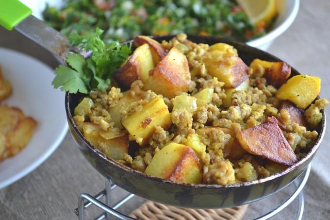 Тушкована картопля з фаршем: рецепти приготування з фото