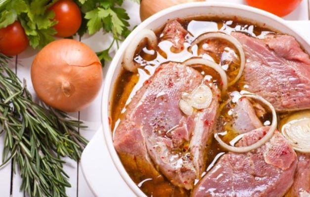 Маринад для свинини в духовці: рецепти покроково, поради
