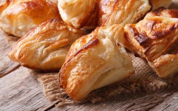 Пиріжки з куркою (з тіста на дріжджах, листкові): рецепти