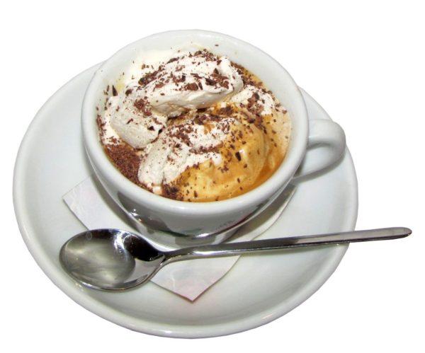 Кава по-віденськи: де придумали, рецепти з покроковим фото