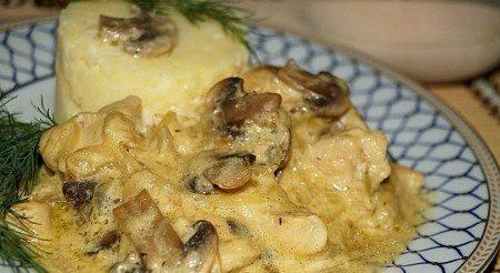 Печериці з курячою грудкою: покрокові рецепти смачних страв
