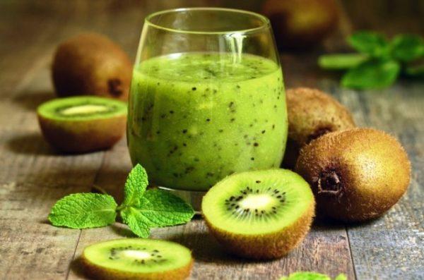 Смузі з ківі для поповнення вітамінів та схуднення: рецепти