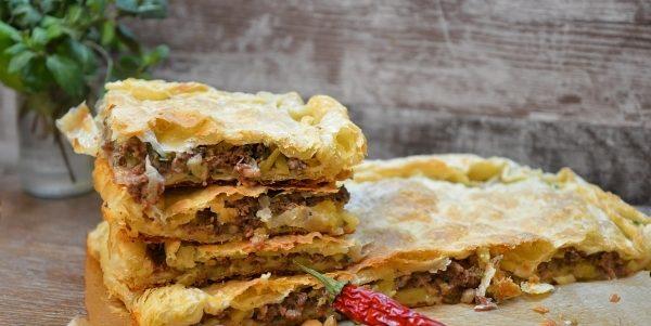 Пиріг з листкового тіста з фаршем: покрокові рецепти випічки