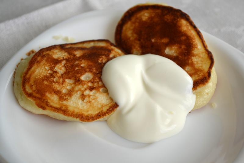 Оладки з сиром (на кефірі, з молоком): рецепти з фото