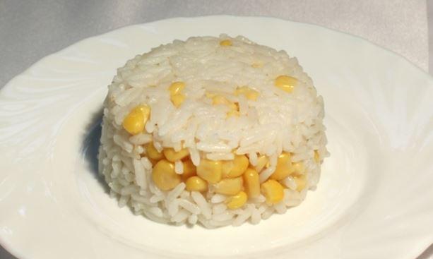 Рис з кукурудзою і зеленим горошком: покроковий рецепт з фото