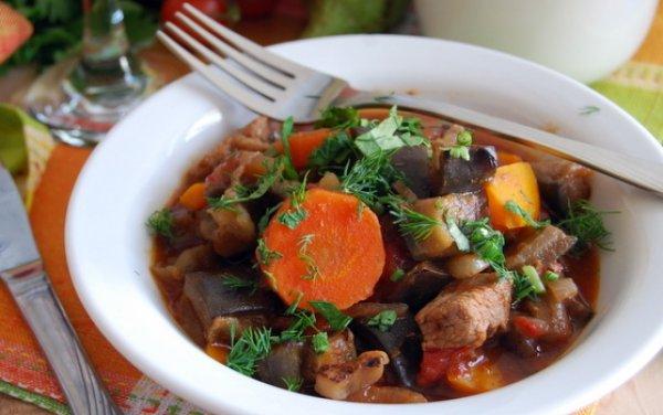 Овочеве рагу з баклажанами і кабачками - рецепти з фото