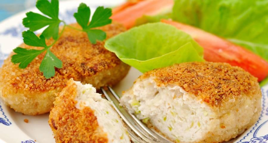 Курячі котлети з кабачком (на сковороді в духовці): рецепти