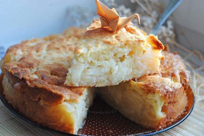 Шарлотка з сиром і яблуками: в духовці, в мультиварці