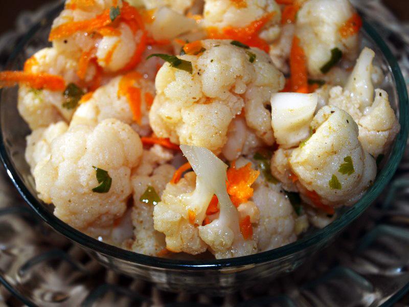 Салат з цвітної капусти на зиму: рецепти з фото покроково