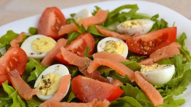 Салат із перепелиними яйцями: прості рецепти з фото покроково