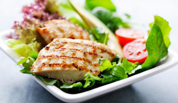 Дієтичні страви з курячої грудки: рецепти, калорійність