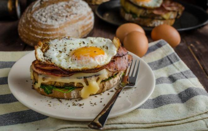Бутерброди прості і смачні: рецепти з покроковими фото