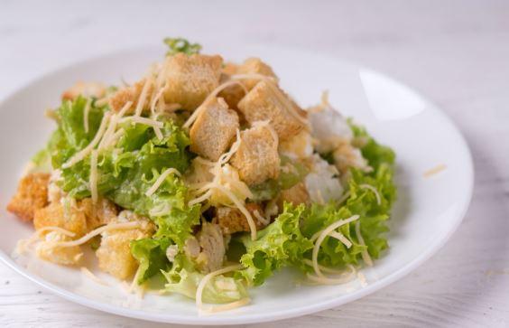 Салат з листям салату: покрокові рецепти з фото, поради