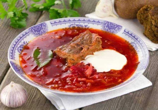 Борщ з м'ясом яловичини або свинини: класичний рецепт