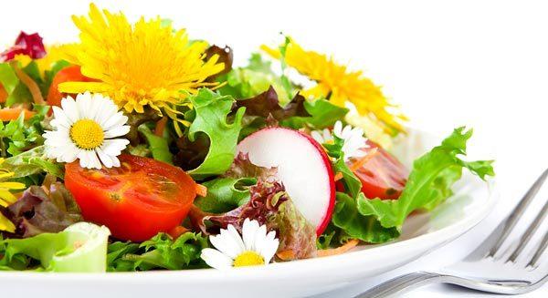 Салат з кульбаб: користь і шкода, кілька рецептів