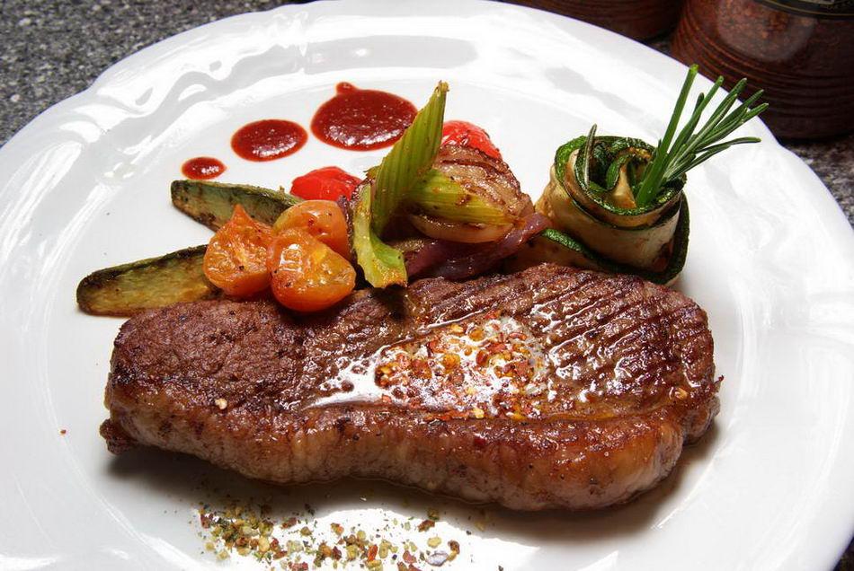 Біфштекс зі свинини (з кров'ю, рубаний): рецепти з фото