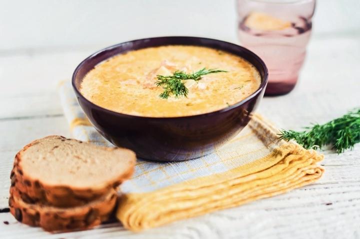 Вершковий суп з сьомгою: рецепти приготування з фото, поради