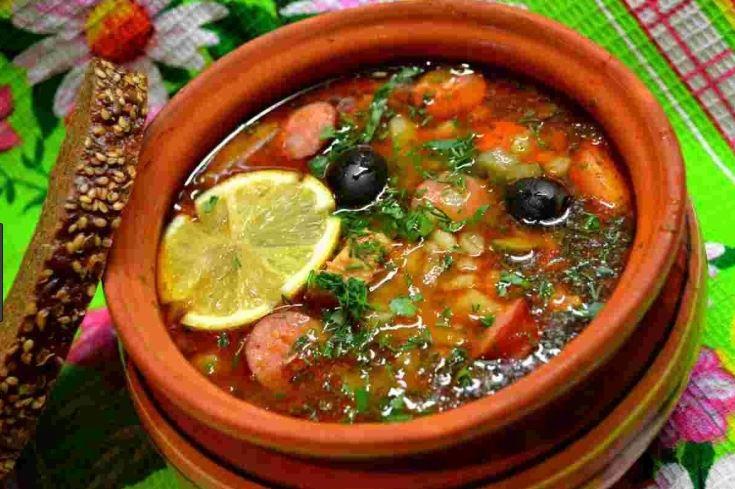 Солянка з сосисками (в каструлі, мультиварці): рецепт з фото