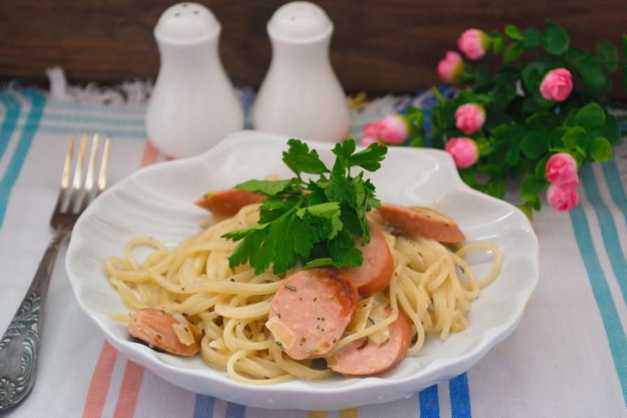 Макарони з сосисками (прості, в духовці): цікавий рецепт