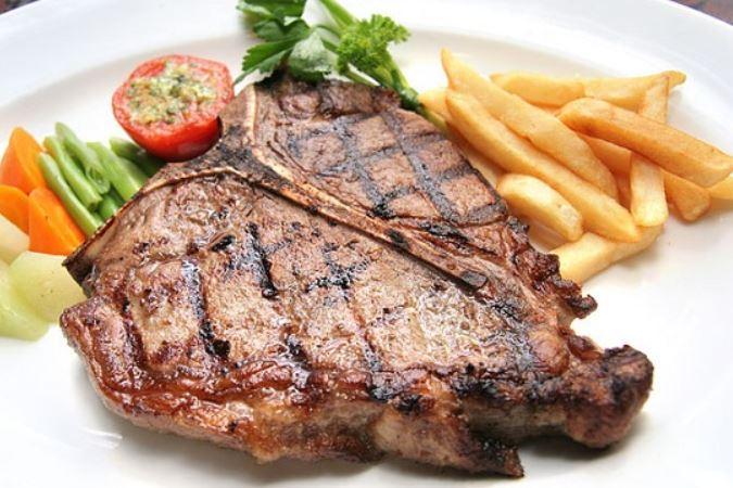Антрекот з яловичини (під соусом, в фользі): рецепти з фото