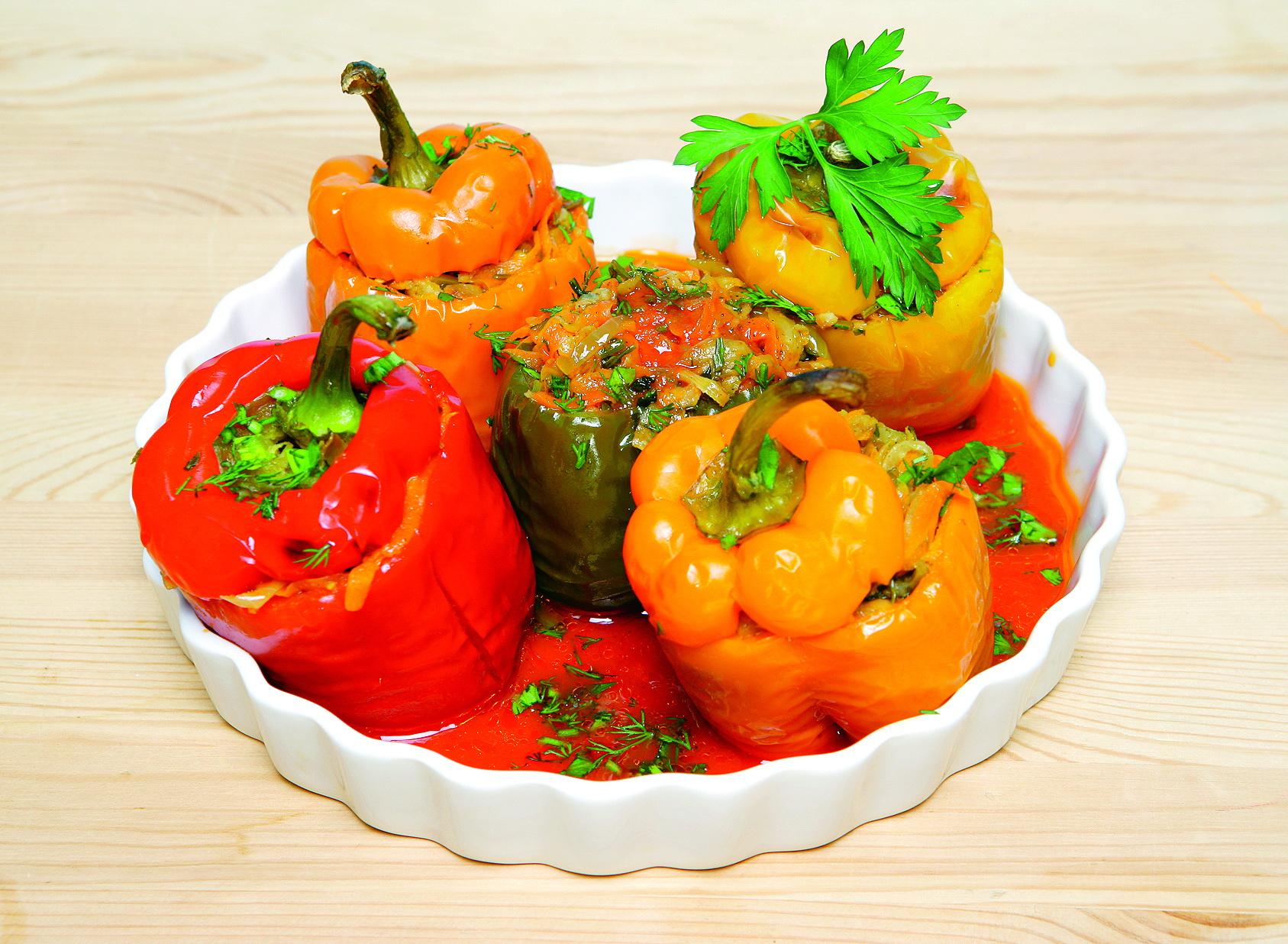 Перець, фарширований овочами: рецепти приготування з фото
