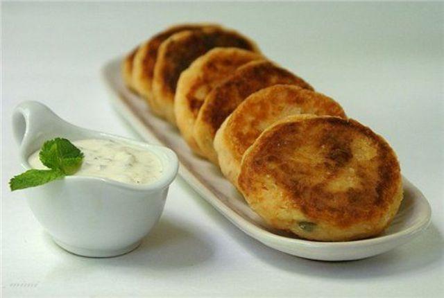 Котлети з картоплі (пісні, з фаршем, в духовці): рецепти