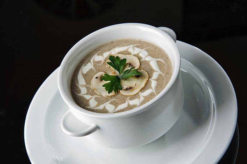 Грибний суп-пюре з печериць: рецепти з покроковим фото