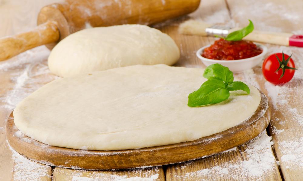 Пісне тісто для піци (дріжджове, без дріжджів): рецепти