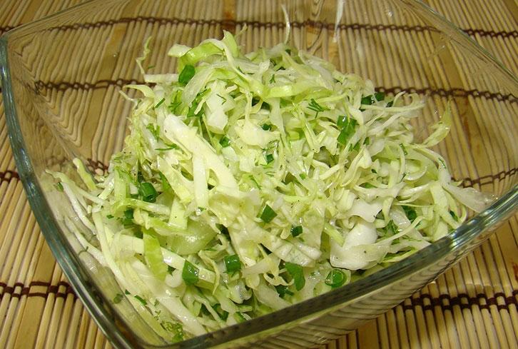 Салат з білокачанної капусти: покрокові рецепти з фото