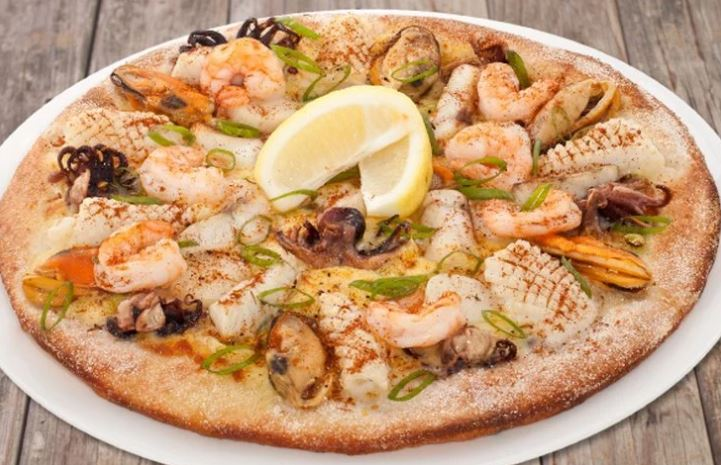 Піца з морепродуктами: домашні рецепти з покроковим фото