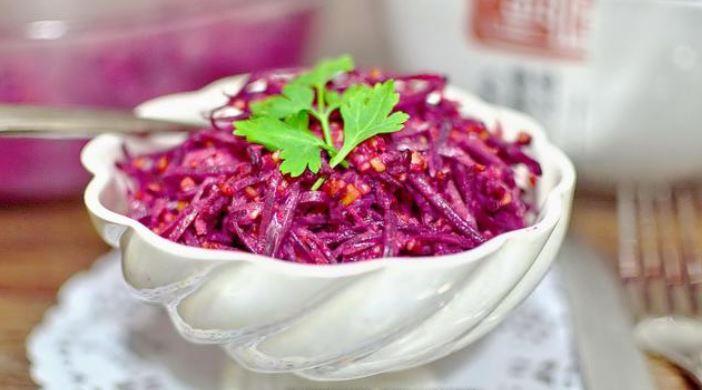Салат з сирої буряків (по-корейськи, з сиром): рецепти з фото