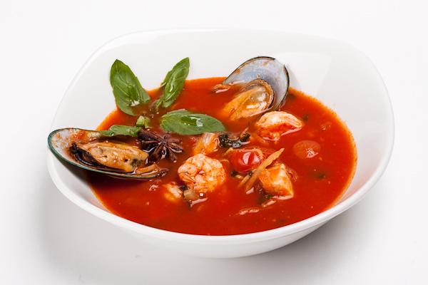 Томатний суп з морепродуктами: прості рецепти страви з фото
