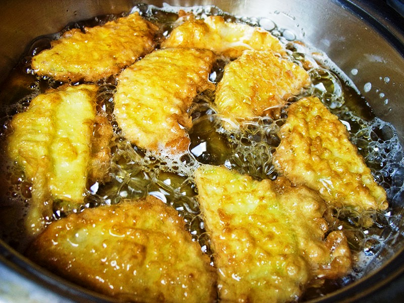 Кабачки в клярі (на сковороді в духовці): рецепти з фото
